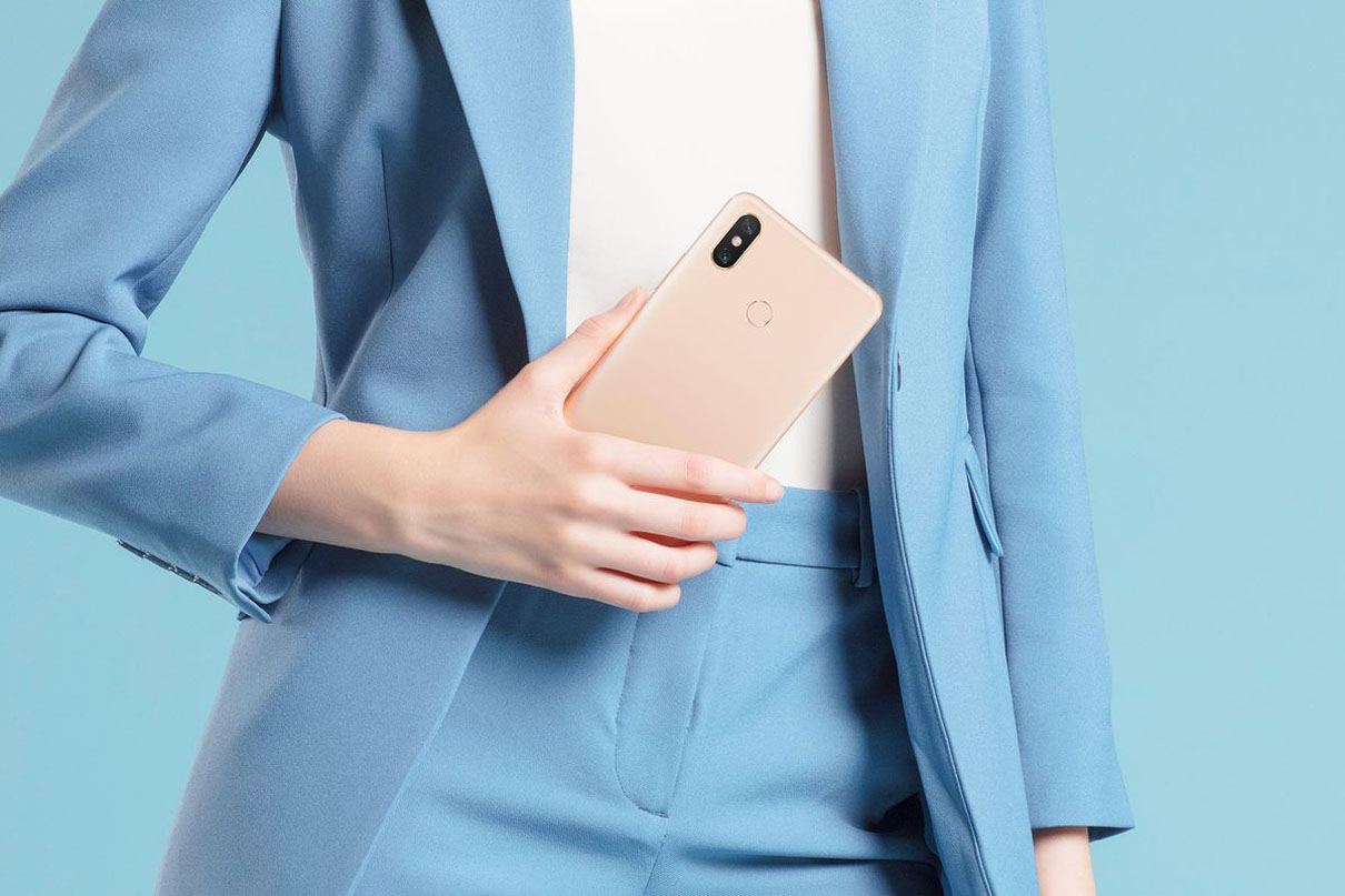 Xiaomi Mi Max 3 Official with 6.9-inch screen and huge 5500 mAh battery