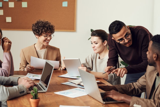 How to Build Positive Relationship with Employees